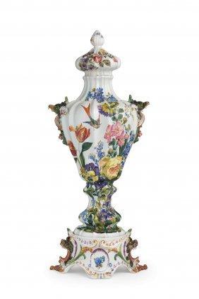 Coppia Di Vasi Decorativi Con Coperchio In Maiolica