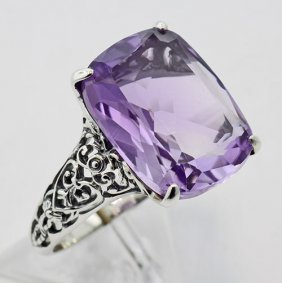 Fantastic Victorian Style Amethyst Filigree Ring - Ster