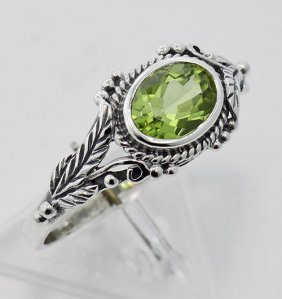 Antique Style Vine Pattern Genuine Peridot Ring - Sterl