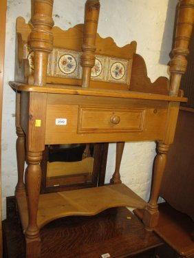 Reproduction Pine Washstand