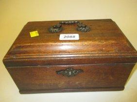 George Iii Mahogany Tea Caddy, The Hinged Moulded Lid