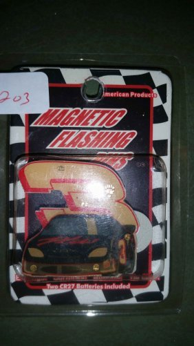 Dale Earnhardt Magnet Flashing Pin