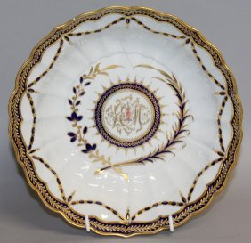 113. An 18th Century Worcester Flight Period Dish With