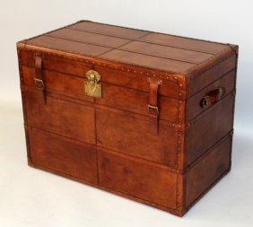 516. A Good Large Leather Trunk, With Rising Top, Lift