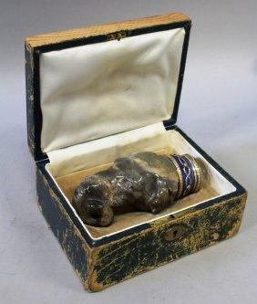 675. A Superb Carved Hardstone Elephant Head Snuff Box