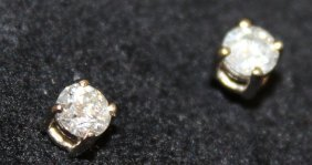 782. A Pair Of 18ct Gold Solitaire Diamond Stud