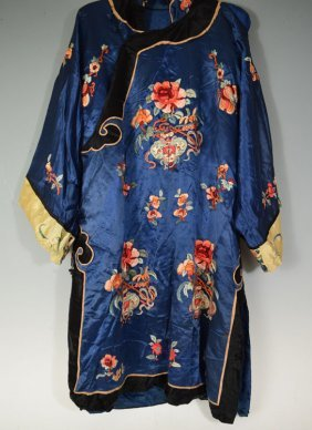Chinese Embroidery Silk Robe