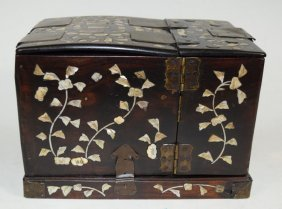 Chinese Rosewood Mother Of Perl Inlaid Jewelry Box