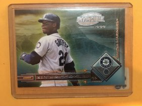 1999 Pacific Invincible Diamond Magic Ken Griffey Jr