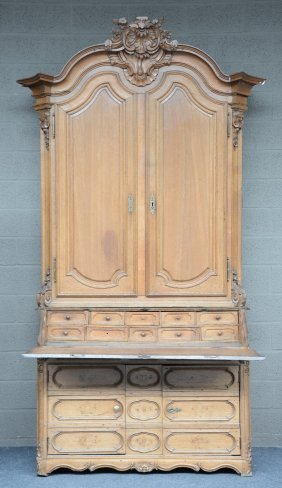 An 18thc Oak Bureau, Probably Namur, h 290,5 - W 164,5