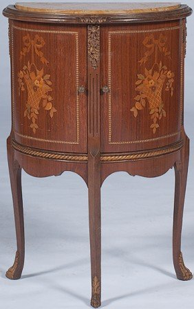 Louis XV-style Commode Stand�