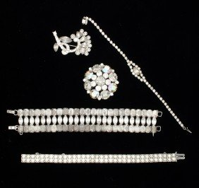 Weiss & Unsigned Costume Jewelry Collection�