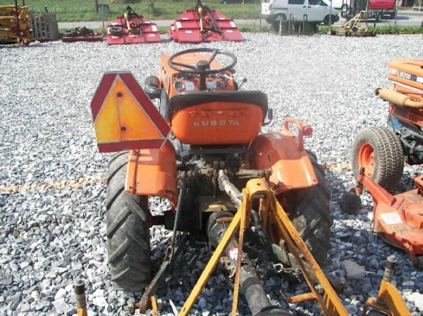 6100 Ford Tractor : Kubota b tractor w hrs lot