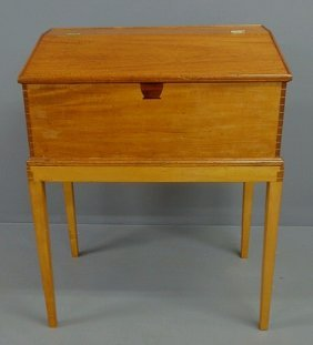 Maple Schoolmaster's Desk, 19th C., With A Lift Li