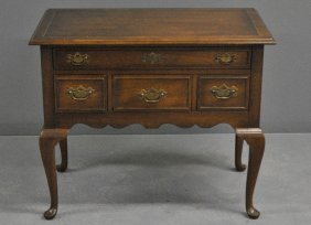 Kittinger Queen Anne Style Mahogany Lowboy, Labeled.