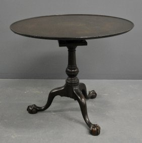 Pennsylvania Chippendale Style Dish-top Tea Table