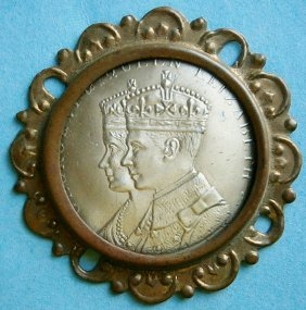 King George Vi And Queen Elizabeth Coronation Souvenir