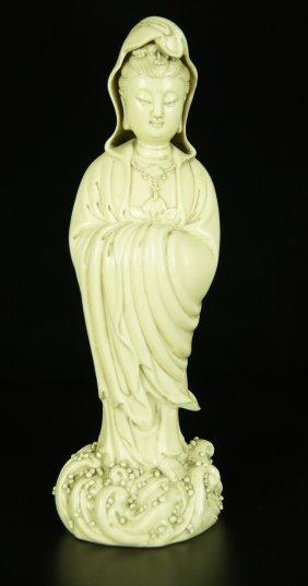 Chinese Dehua Porcelain Guan-yin Statue
