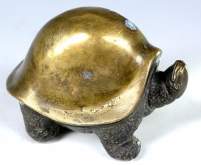 A Gilt Turtle Shape Paper Weight