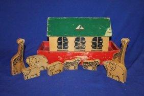 "Vintage Good Wood Noah's Ark With 8 Wooden Animals 17"""