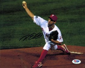 Roy Oswalt - Phillies And Authenticated By Psa/dna