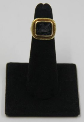 Jewelry. Elizabeth Locke 18kt Gold Intaglio Ring.