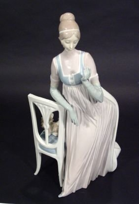 Large Hand Painted Lladro Porcelain Figurine 'Lady