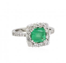 14kt White Gold 1.33ct Emerald And Diamond Ring