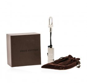 Authentic Louis Vuitton Damier 4gb Flash Drive