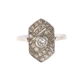 An Art Deco Lady's Filigree Diamond Ring