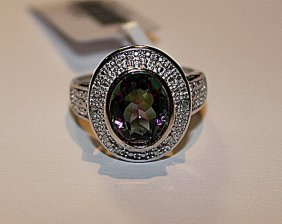 Beautiful Womens Alexandrite & Diamond Ring