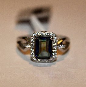 Beautiful Alexandrite & Diamond Ring