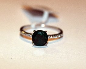 Stunning Emerald & Diamond Ring