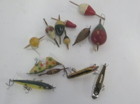Antique Fishing Lot Dobbers And Lures (14)