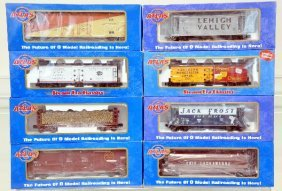 8 Pc Atlas Freight Car Set