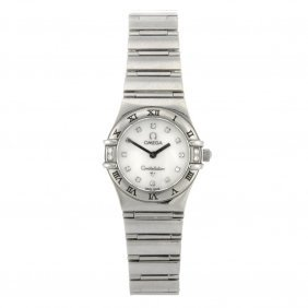 (85014) A Stainless Steel Quartz Lady's Omega Const