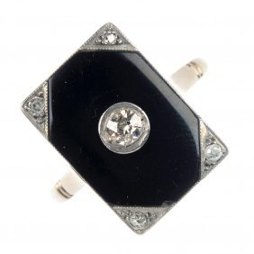 An Early 20th Century 18ct Gold Diamond And Onyx Pla