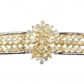 (528247-2-A) A Diamond Bracelet.