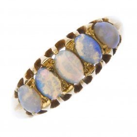 An Early 20th Century 18ct Gold Opal Ring.