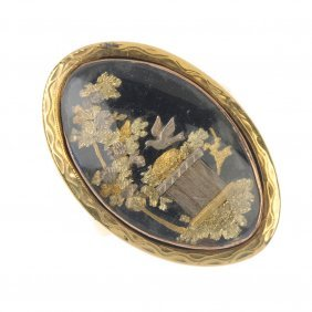 A Late 18th Century Gold Memorial Ring.