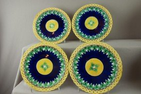 WEDGWOOD Set Of 4 Plates With Cobalt Center With