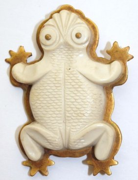 1930's French Frog Brooch