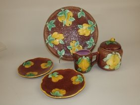 """Majolica Pear & Apple Group: Round Tray, 2 - 61/2"""""""