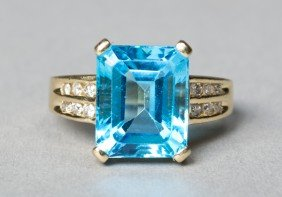 Ladies 14K Gold, Blue Topaz & Diamond Ring