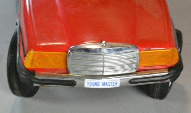 325 antique mercedes pedal car lot 325 for Mercedes benz pedal car