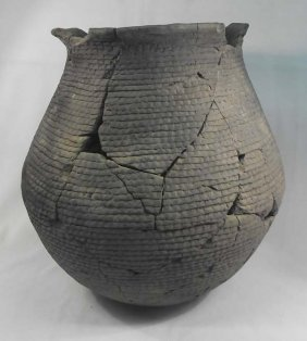 Large Prehistoric Mimbres Corrugated Olla