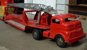 Structo Aerial Fire Ladder Tractor Trailer 29 Lg  V