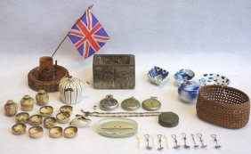 Grouping Of Decorative Articles Including 5 Miniature