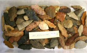 Dealer Lot Of 100 Assorted Arrowheads