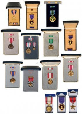 Important Group Of Us Medals In Original Case Of Issue